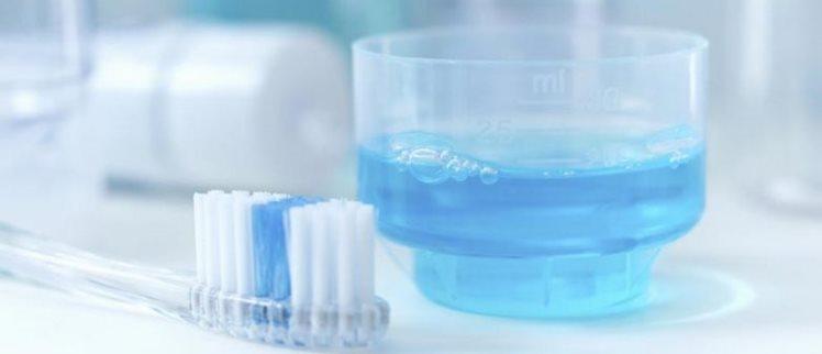 دهانشویههای درمانی را میتوان به سه نوع اصلی تقسیم کرد: ضدعفونی کننده، ضد تجمع پلاک و پیشگیری کننده.