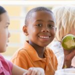 تغذیه صحیح و حفظ سلامتی دندان ها