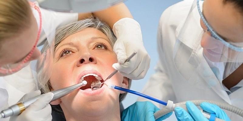 متخصص بیماری های دهانی