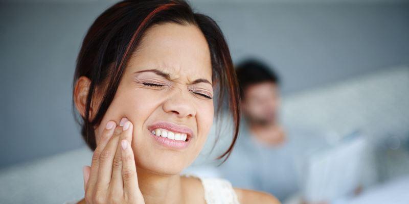 انکیلوز شدن فک و دندان
