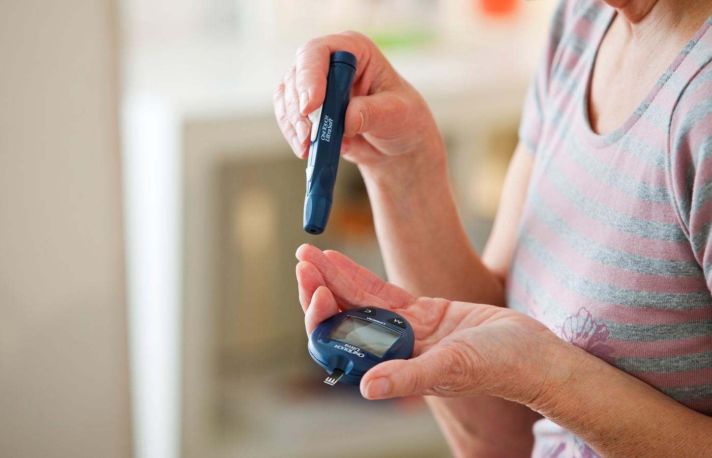 بیماران دیابتی و ایمپلنت دندان ، با نگرانی چه کنیم