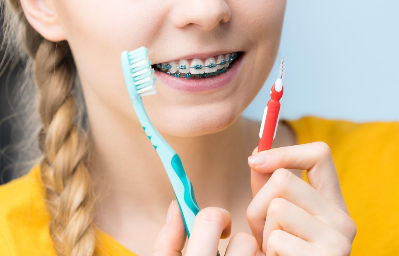 مسواک بین دندانی چه ویژگی هایی دارد