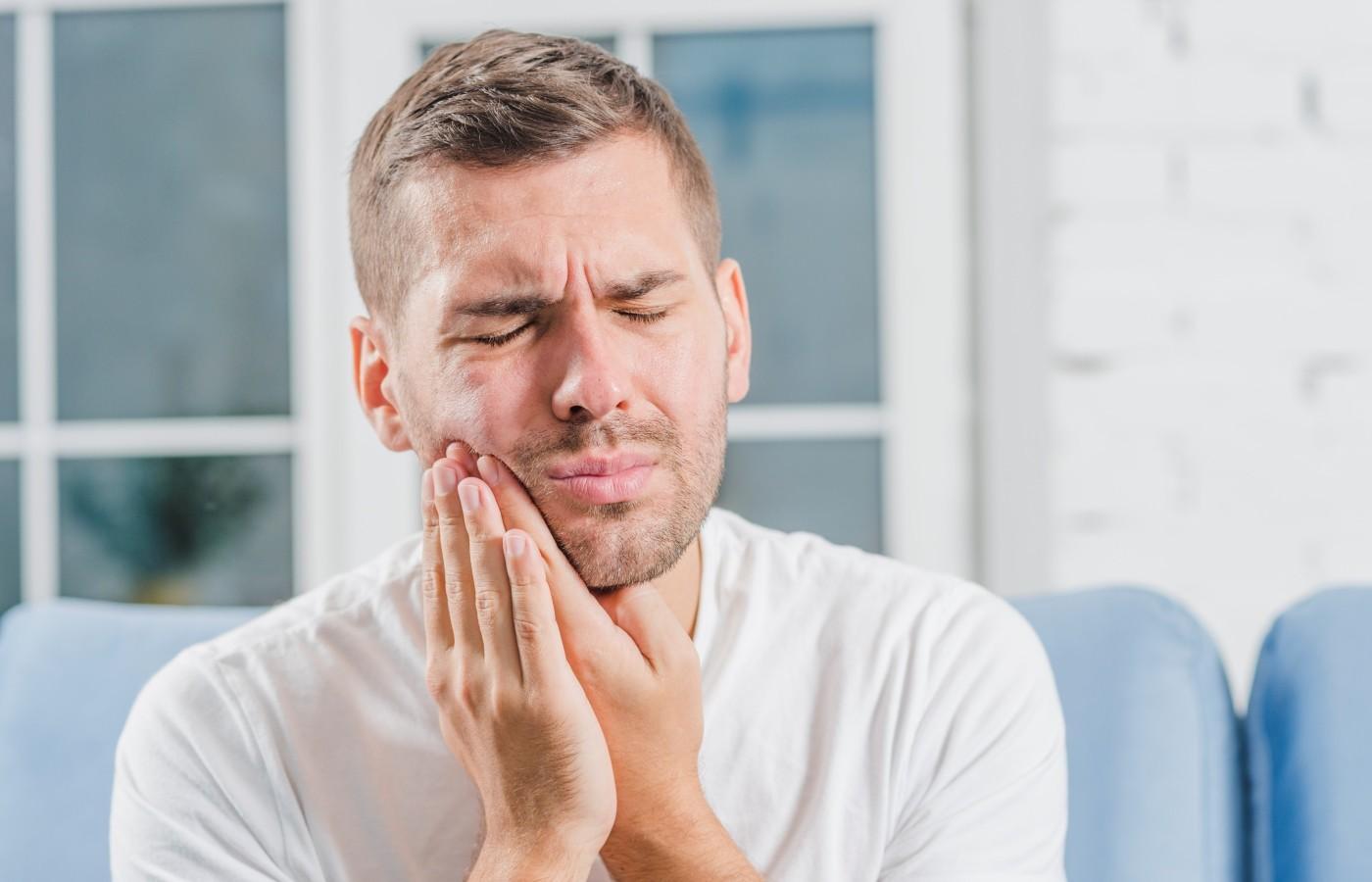 علت پوسیدگی دندان چیست و چه کاری برای رفع آن باید انجام داد